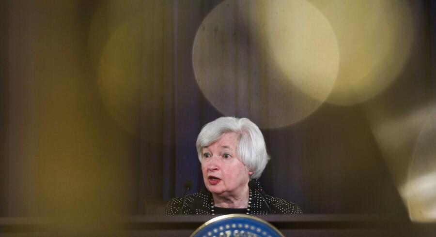 Topchefen for Federal Reserve i USA, Janet Yellen, udtalte tidligere på måneden, at den amerikanske centralbank ikke har aktuelle planer om at ændre sin pengepolitik og at balancen hos Federal Reserve vil forblive stor i længere tid.