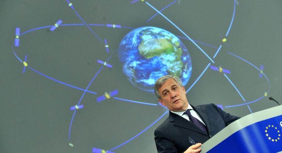 EUs transportkommissær og vicepræsident for EU-Kommissionen, Antonio Tajani, ses her, da han i 2010 annoncerede, at det nye satellitnavigationssystem Galileo åbner i 2014. Arkivfoto: Georges Gobet, AFP/Scanpix