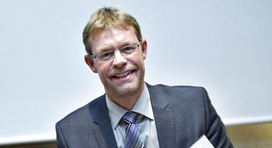 Cowis nye strategi har sorteret de dårlige og usikre markeder fra, som før har bragt dem ud i økonomiske tab. Direktør Lars-Peter Søbye mener, at det er den største grund til deres positive regnskab for første halvår af 2013.