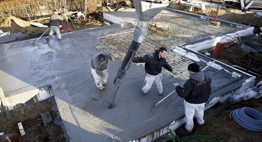 Prisen for en byggetilladelse kan svinge med over 20.000 kroner mellem kommunerne.