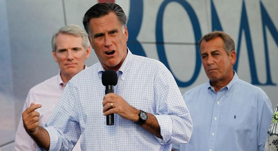 Favoritten som Mitt Romneys vicepræsidentkandidat er ifølge USA-ekspert Mads Fuglhede Rob Portman fra Ohio (til venstre) Til højre ses den republikanske formand for Repræsentanternes Hus John A. Boehner.