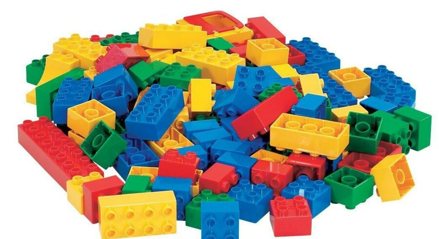 Onlinespillet LEGO Universe har vist sig ikke at klare distancen som betalingsspil og kommer nu i gratisversion.