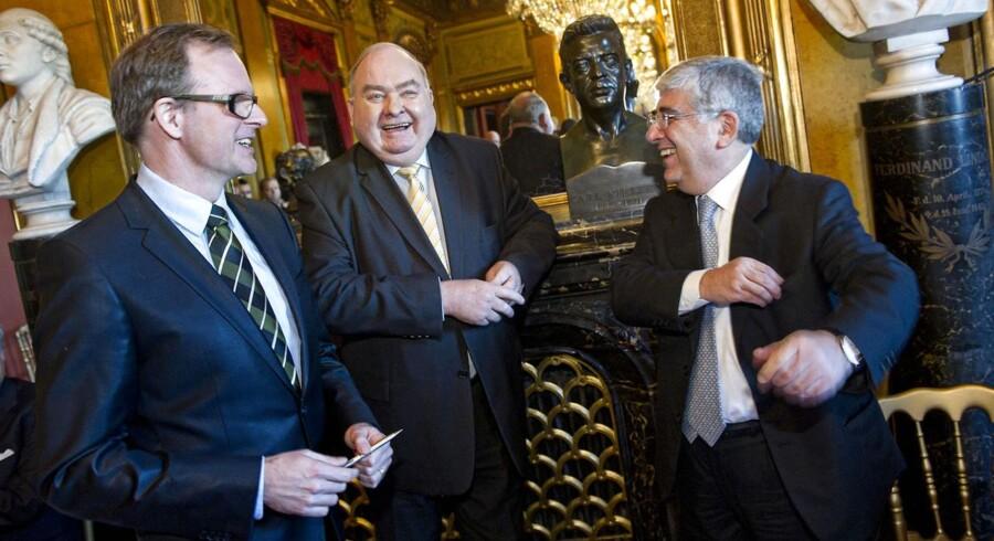 Henning Christophersen (i midten) afviser, at han skulle have ansvaret for, at Metrocityringen bliver syv måneder yderligere forsinket og 1,2 mia. kr. dyrere.