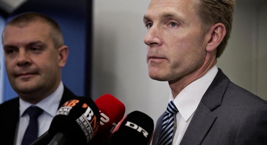 Socialdemokraterne anklager i en ny kampagne Kristian Thulesen Dahl og Dansk Folkeparti for at love gaver for 170 mia. kr.