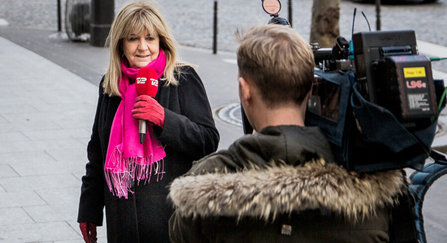 Ulla Terkelsen i Paris, hvor hun dækker Charlie Hebdo-massakren for TV2.