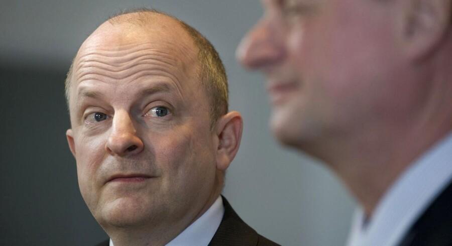Dansk Industris direktør, Lars Goldschmidt og overvismand og økonomiprofessor Hans Jørgen Whitta-Jacobsen (th).