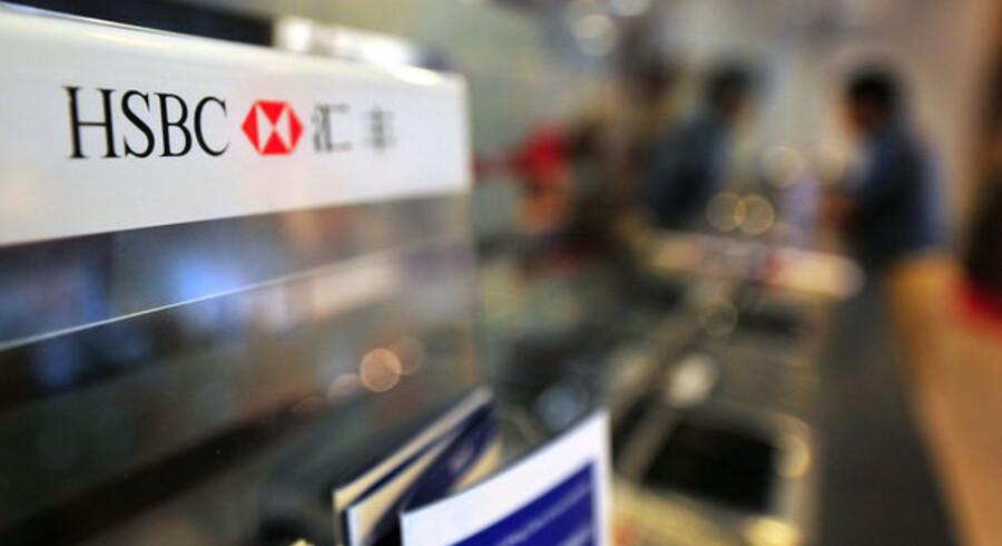 Bundlinjen hos giantbanken HSBC blev mere end halveret, men analytikerne havde ventet røde tal.