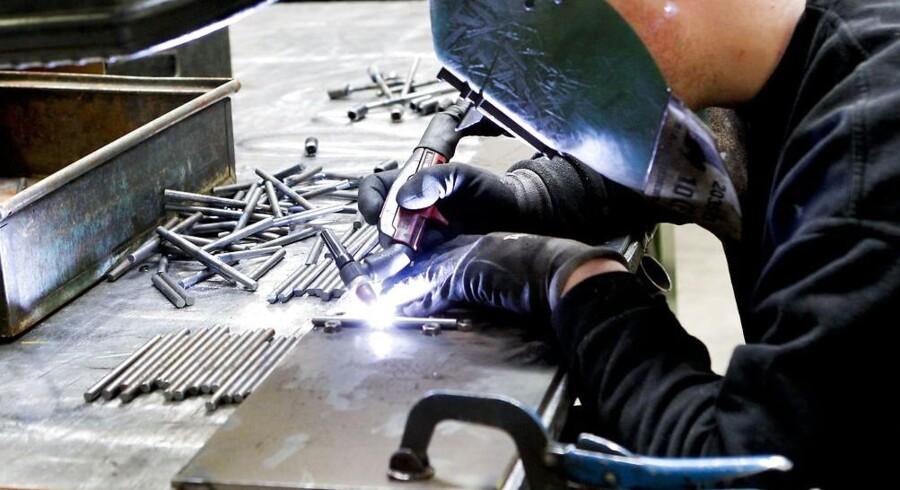 »Frisørsalonen skaber en større del af sin omsætning selv sammenlignet med metalindustrien.« lyder det fra Arbejderbevægelsens Erhvervsråd.
