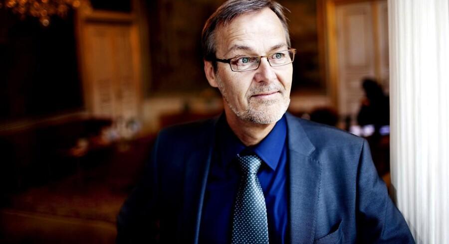 Erhvervs- og vækstminister Ole Sohn (SF) kommer sandsynligvis til at skulle svare på flere spørgsmål om sin fortid som DKP-formand, siger Berlingskes Thomas Larsen.