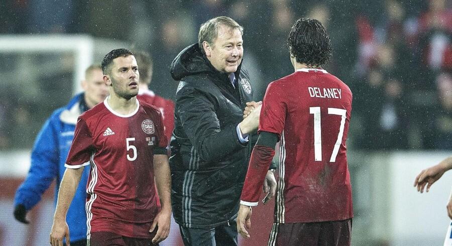 Danmark vandt Skærtorsdag over Island i en venskabskamp. Tirsdag er landstræner Åge Hareide og spillerne på besøg i Skotland.