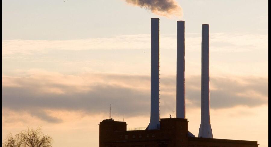 Prisdykket på CO2-kvoterne har gjort det mere økonomisk fordelagtigt at bruge kul og olie til fremstilling af elektricitet.