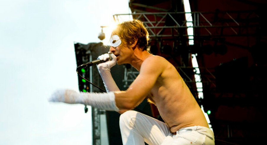 Det svenske rockband Bob Hund, her på Roskilde Festivalen, har solgt en single på Ebay for godt 21.000 kr. fredag den 13. marts.