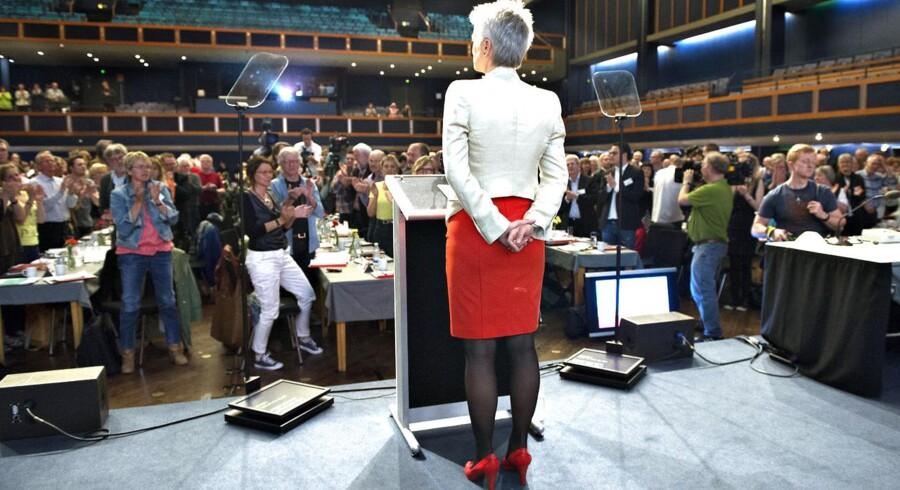 SF formand Annette Vilhelmsen på talerstolen under SF's landsmøde lørdag