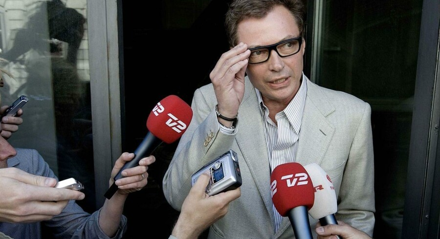 Klaus Riskær Pedersen har ofte måttet svare på pressens og anklagerens spørgsmål - nu kan han selv komme i spørgerens rolle.