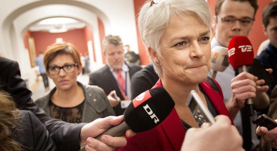 SF'ere ankom til gruppemødet på Christiansborg tirsdag formiddag, hvor det kort forinden var offentliggjort, at SF'eren Ole Sohn var rykket til S.