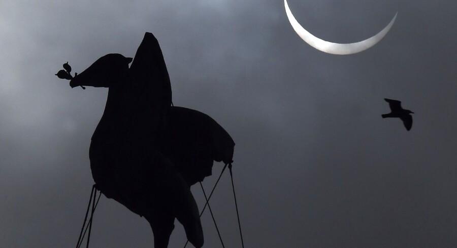 Her ses solformørkelsen over England.