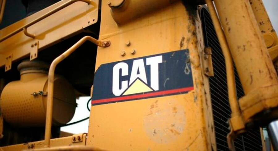 Caterpillar nedlægger 20.000 job verden over, fordi byggeriet er gået næsten i stå.