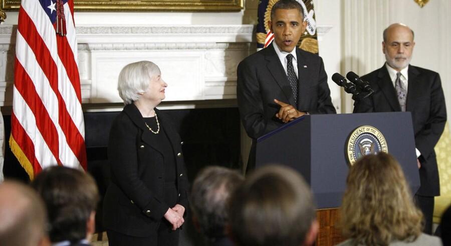 Den amerikanske præsident Barack Obama har udnævnt Janet Yellen til chef for Federal Reserve efter Ben Bernanke, og det bliver først i hendes embedsperiode, at den amerikanske centralbank bremser seddelpressen, mener økonomer.