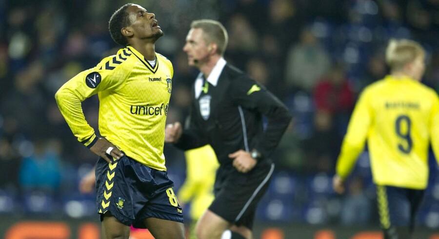 Brøndby IF har det ikke nemt - hverken i forretningen eller på grønsværen. Her ses spilleren Quincy Antipas.