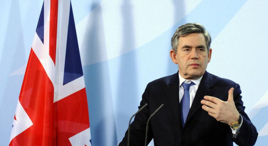 Den britiske regering garanterer lån for over 18 milliarder kroner til den britiske bilindustri.
