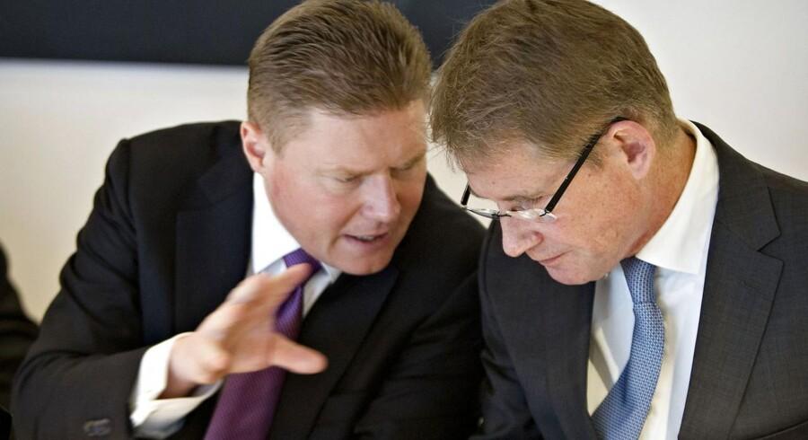 Novo Nordisk CFO Jesper Brandgaard (tv.) med administrerende direktør Lars Rebien Sørensen (th.). Jesper Brandgaard kalder NovoSeven markedet for blødermedicin »volatilt«.