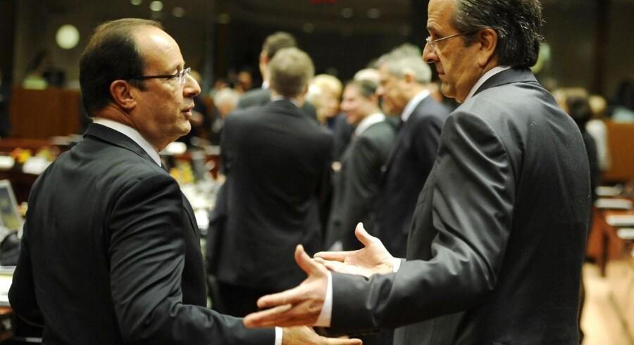 Den franske præsident Francois Hollande (tv) taler sammen med den græske premierminister Antonis Samaras ved det netop overståede EU-topmøde d. 19 oktober 2012. Udover den nuværende finansielle krise i Eurozonen er fundamentet for samarbejdet, Maastricht-traktaten tilsyneladende sat ud af drift, grundet ingen af medlemslandene i øjeblikket overholder kravene for deltagelse.