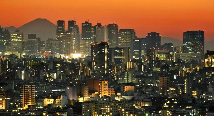 De seneste data fra de japanske myndigheder viser, at de japanske lønninger er faldet 0,3 pct. på årsbasis i september.
