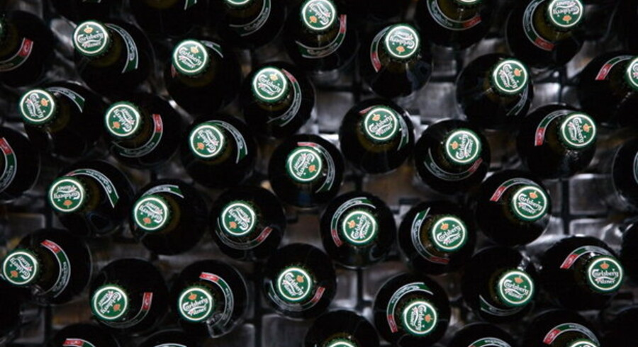 Carlsberg afviser, at den danske bryggerigigant vil følge konkurrenterne og komme med faldende salgstal fra det vigtige russiske marked.