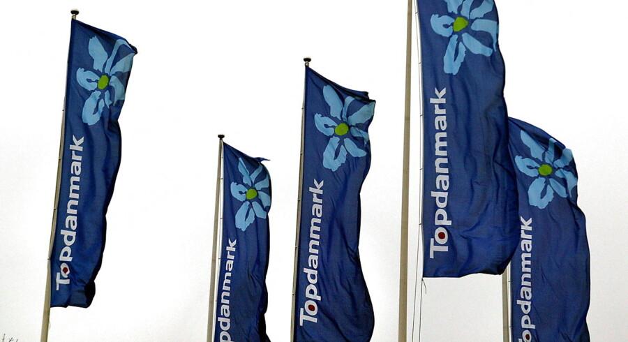 -Arkiv- SE RITZAU Forsikringsbranchen vrider flere penge ud af danskerne BV.: TopDanmark bannere i Ballerup.
