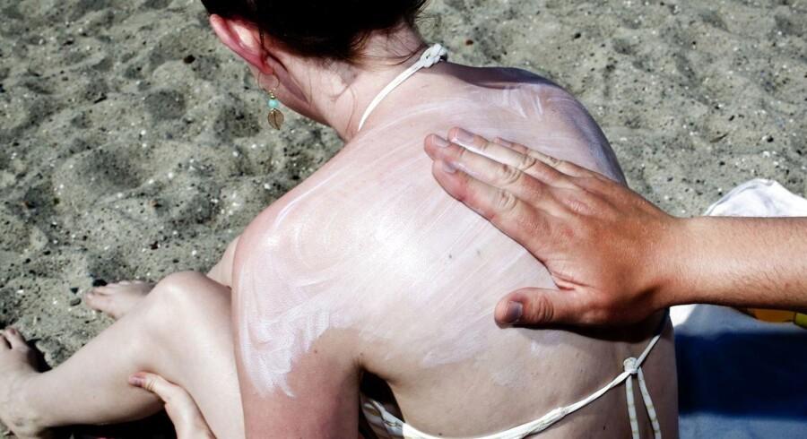 Så er sommeren endelig kommet til Danmark. Den hyppigste årsag til hudkræft blandt unge i Danmark er for lidt brug af solcreme.