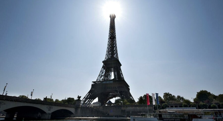 Frankrig har hidtil holdt sig fri af de værste gældsproblemer. Men der er stigende nervøsitet omkring, hvorvidt landet kan holde sig på den økonomisk smalle sti.