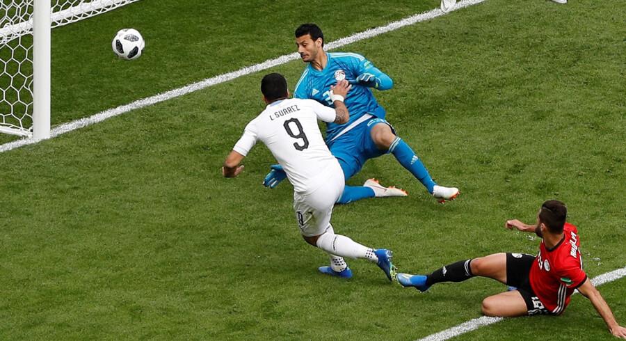 Luis Suarez misbrugte en stor chance i første halvleg. Darren Staples/Reuters