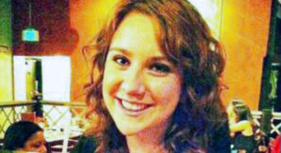 En af de dræbte er den 24-årige Jessica Ghawi, der slap levende fra et skyderi i et indkøbscenter i Toronto blot et par uger før hun blev dræbt i Denver.