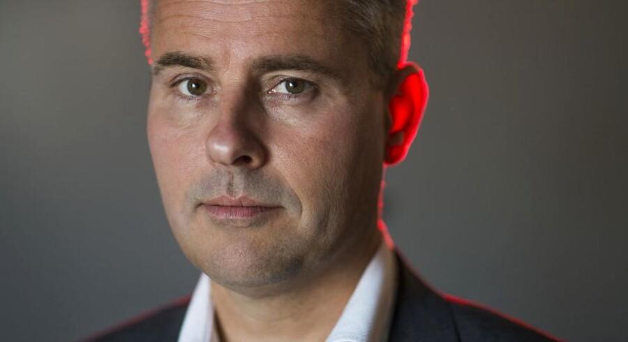 Erhvervs- og vækstminister Henrik Sass Larsen (S) vil sikre, at de store finansielle korthuse ikke vælter.