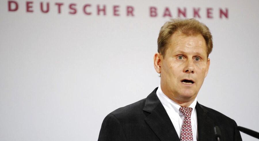 Andreas Schmitz, præsident for den tyske bankforening, Bundesverband deutscher Banken, BdB siger om det nye banktilsyn hos ECB i Frankfurt: »Når ECB får ret til at overtage tilsynet med ethvert pengeinstitut, er det et godt resultat. ECB skal ikke bare kunne gø, den skal også kunne bide.«