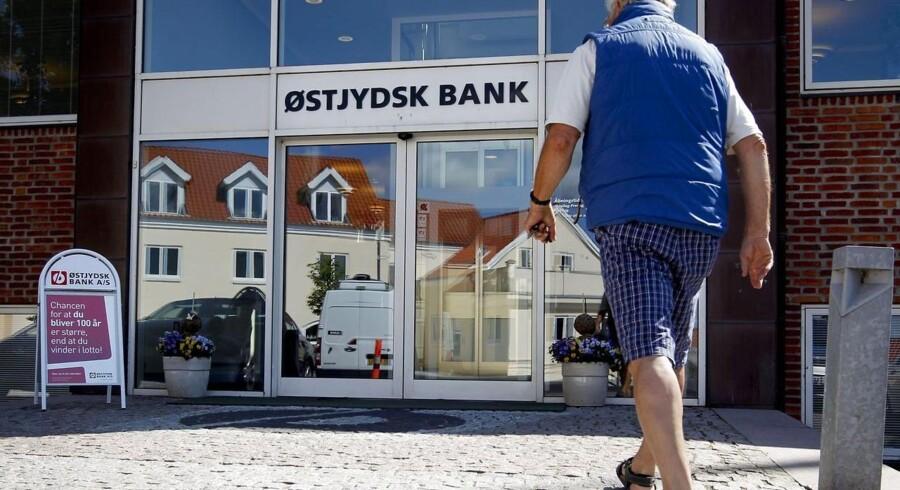 Efter kæmpetab i første kvartal skifter Østjydsk Bank bestyrelsesformanden ud.