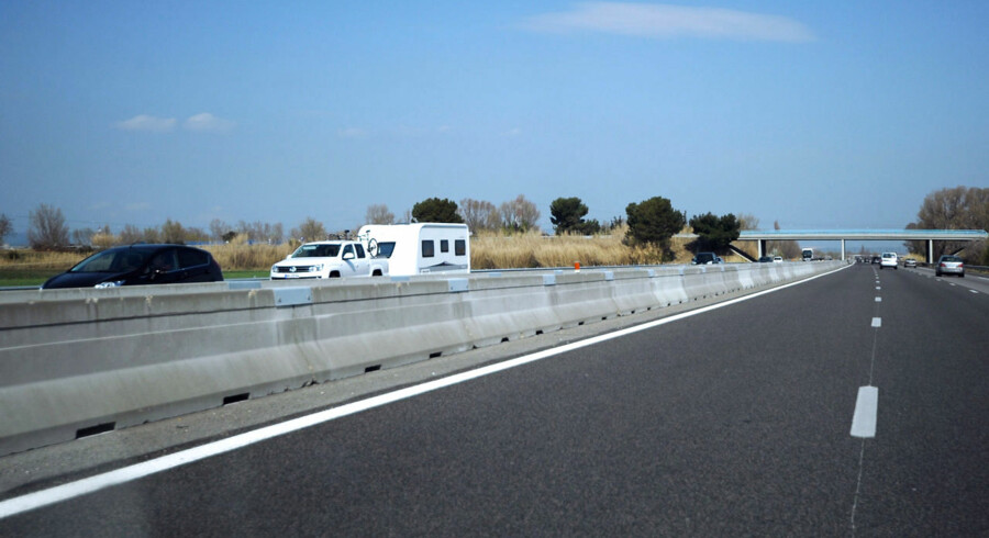 Alle bilister skal medbringe eget alkometer på køreturen i Frankrig.