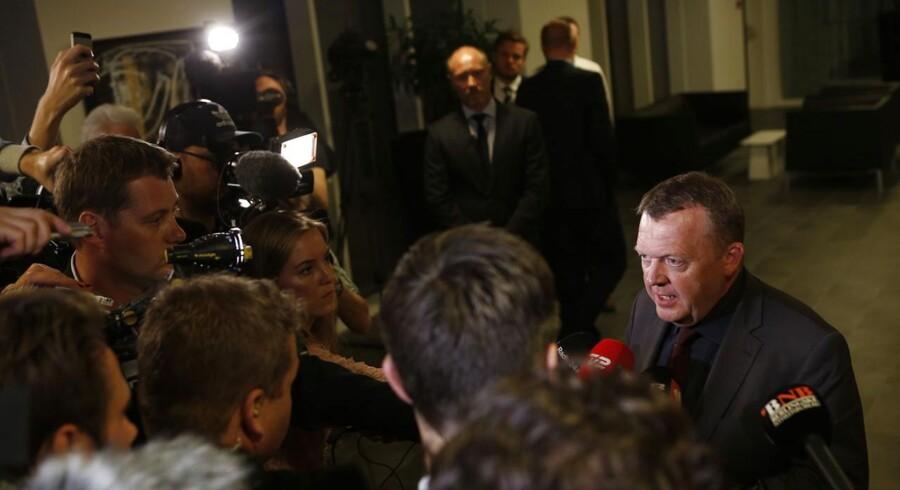 Venstres formand Lars Løkke Rasmussen har fået opbakning fra Venstres forretningsudvalg efter et flere timer langt møde tirsdag aften.