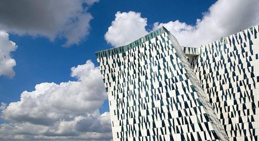 Med 23 etager fordelt på to tårne, 814 designværelser og 30 fleksible møde- og konferencerum er Bella Sky Comwell Nordens største hotel, og fra og med åbningen i dag er det tænkt som et nyt vartegn for Ørestadsområdet.