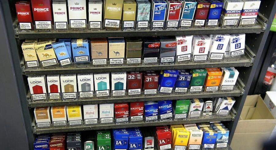 Disse cigaretpakker vil fra 1. januar 2012 være designløse, dvs. uden logo og farve, i Australien. SF er positive over for at følge udviklingen i Australien, efter forbuddet træder i kraft.