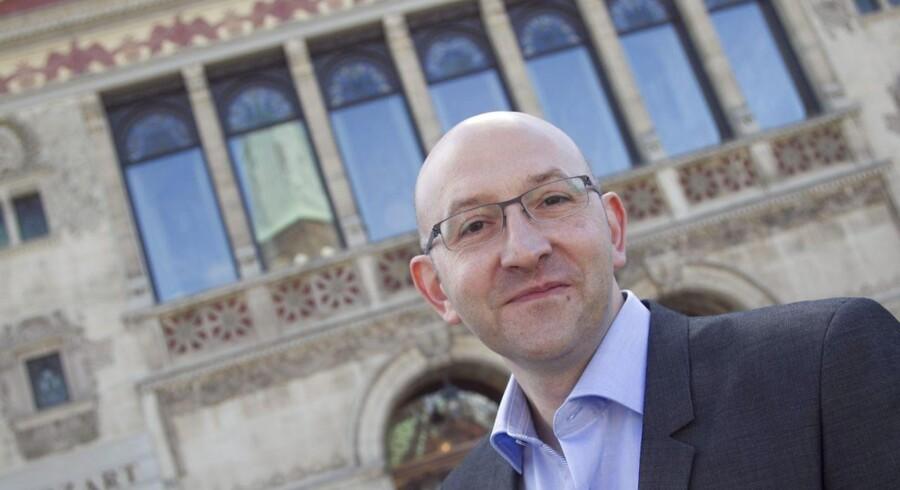 Teaterchef Mick Gordon, Aarhus Teater, vil gøre sit teater til hjemsted for den nye danske dramatik.