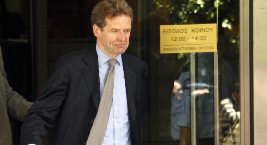 Der er fuld fart på den danske chefforhandler og vicedirektør for den europæiske del af IMF, Poul Thomsen, når han skal knække krisen i enten Island eller Grækenland.
