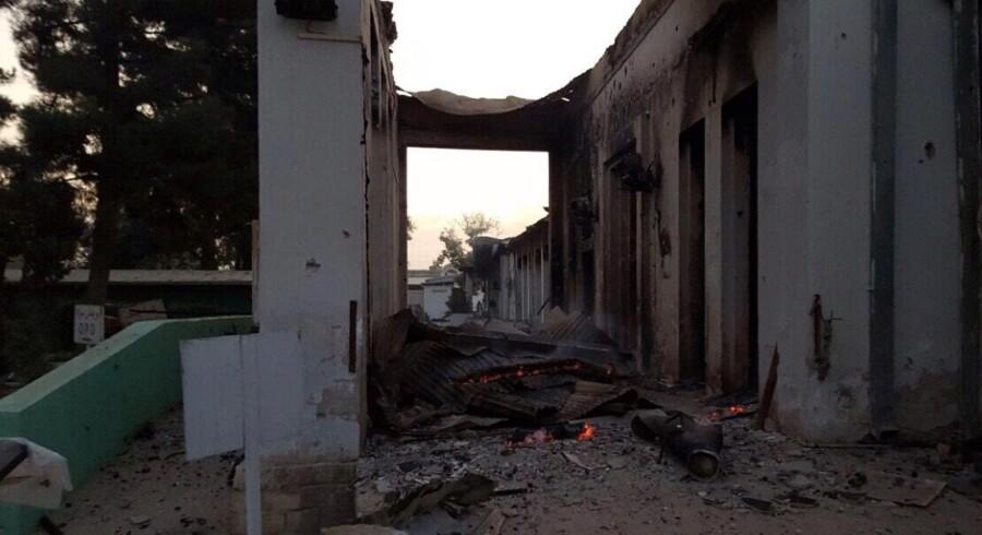 Et billede udleveret af Læger Uden Grænser (MSF) viser ødelagte dele af hospitalet i Kunduz efter bombeangrebet.