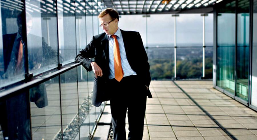 Efter lidt mere end et år som koncerntopchef i A.P. Møller-Mærsk tager Nils Smedegaard nu konsekvensen af en meget udskældt IT-strategi.