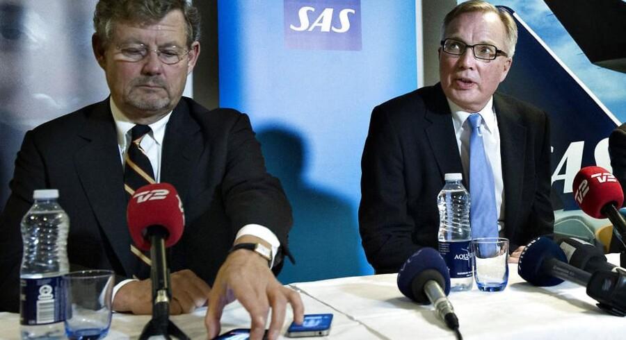 Her ses Jacob Wallenberg (tv.) sammen med formand Fritz Schur 19. december, da duoen kunne offentliggøre nyheden om, at der var indgået nye overenskomster med otte fagforeninger.
