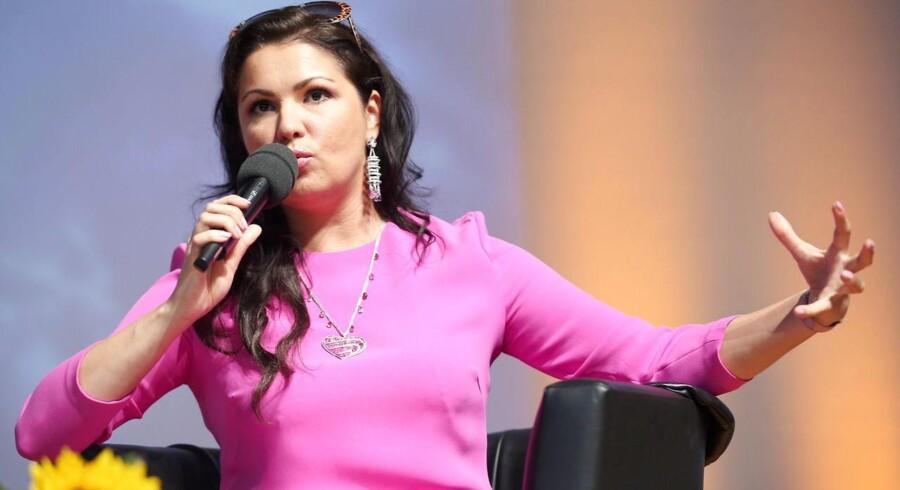 Den russiske sopran Anna Netrebko havde engang en lyrisk sopranstemme med dramatisk potentiale, men lyder ifølge Berlingskes anmelder som hverken fugl eller fisk nu.