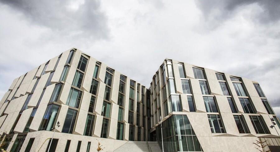 Revisionsfirmaet EY rykker til KPMGs domicil på Frederiksberg i bemærkelsesværdig sammenlægning.