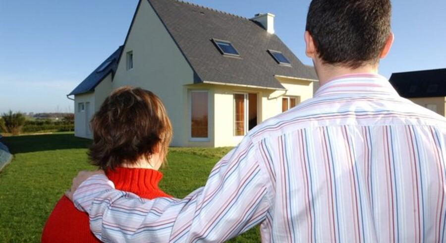 En gaveægtepagt kan være løsningen på problemet med, at kun den ene part ejer den fælles bolig.
