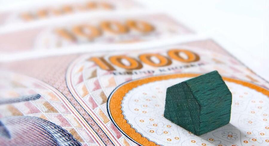 Kreditvurderingsbureauet Standard & Poor's advarer: Den massive gældsætning er en voldsom forhindring for dansk vækst.