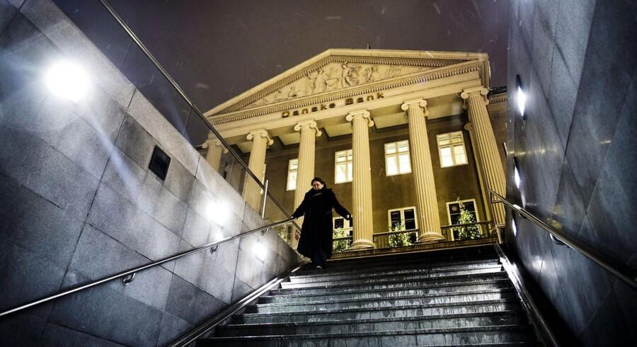 Danske Banks image er blevet ridset efter den seneste reklamekampagne. Nu har topchefen beklaget bankens politik før krisen.
